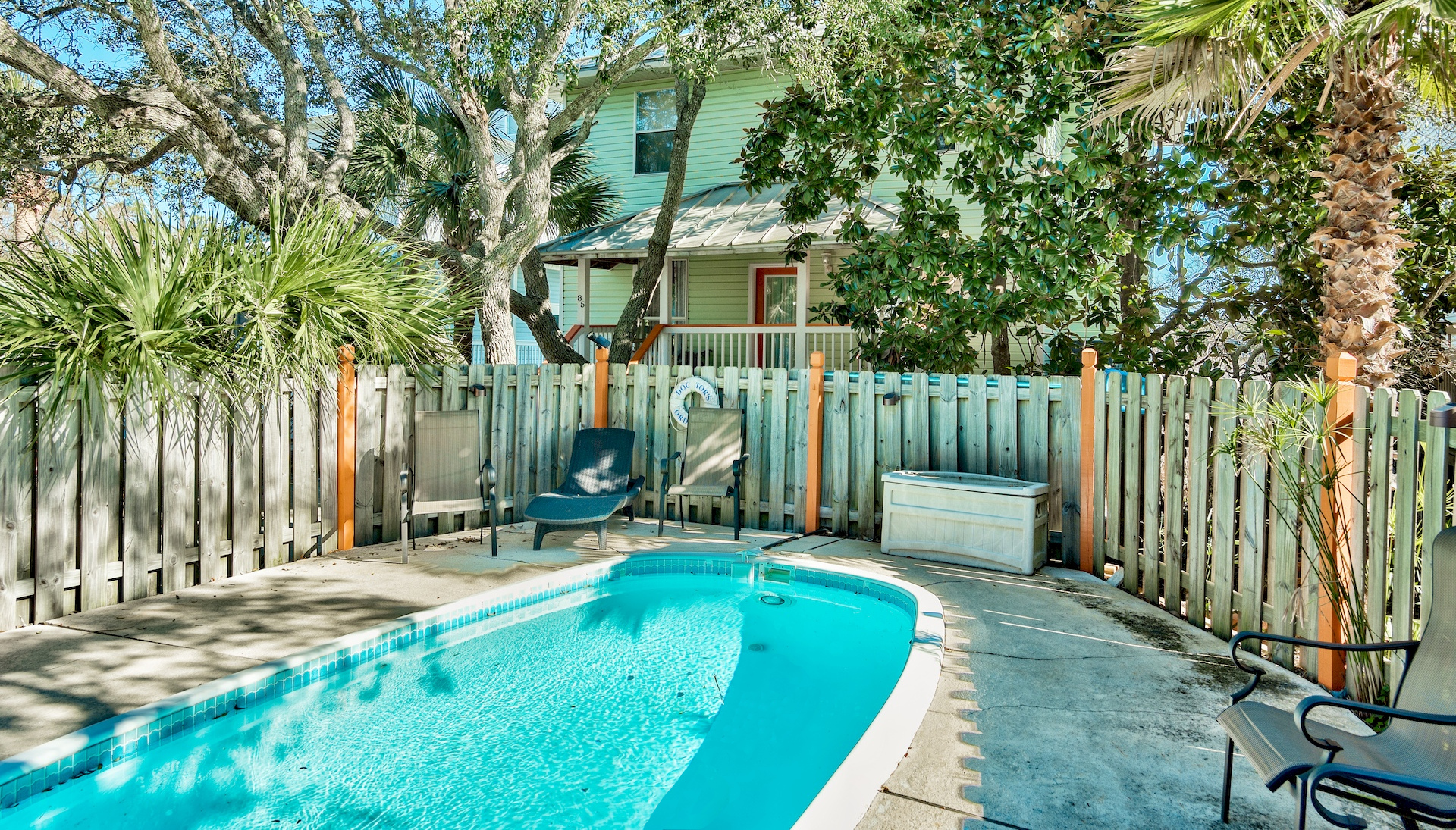 DO-pool-destin-vacation-rentals